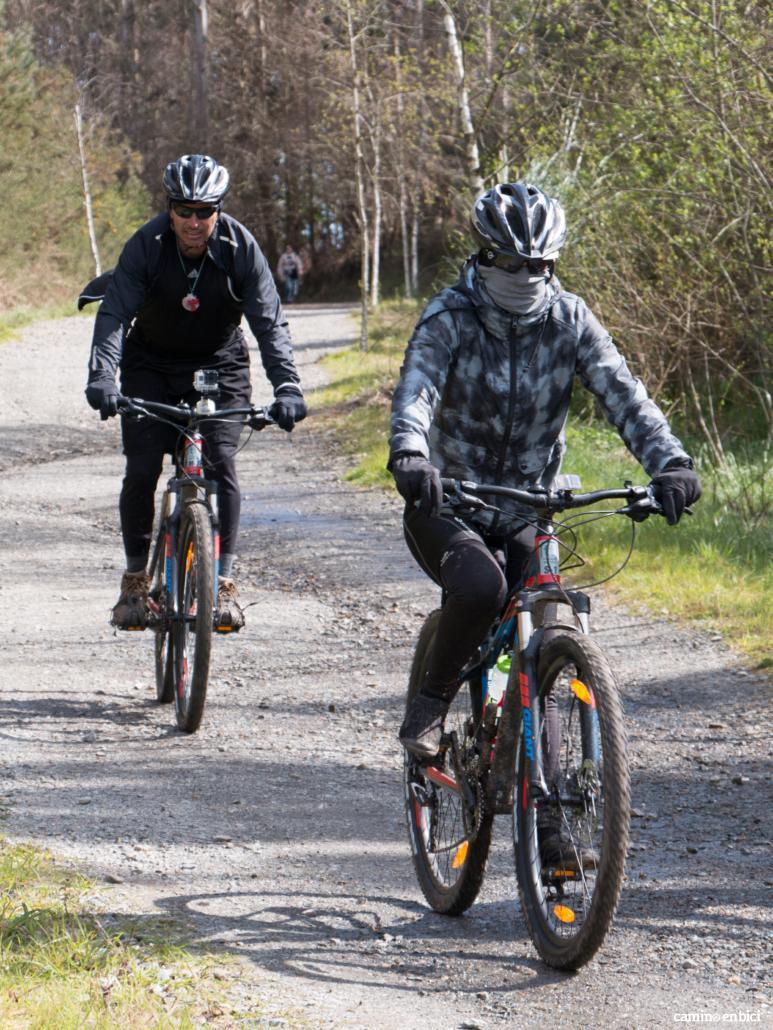 Camino en bici en nuestra bici o en la tuya: Peregrinos en bicis Giant de Camino en Bici