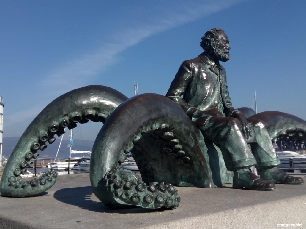 Monumento a Julio Verne en el puerto de Vigo