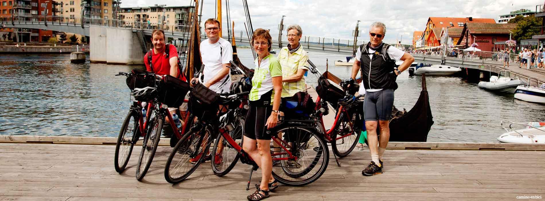 Recorrer el Fiordo de Oslo en bicicleta con amigos!